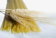 Gli spaghetti costano poco – Non è vero che il grano cala di prezzo e la pasta aumenta. Intervista a Cosimo Rummo