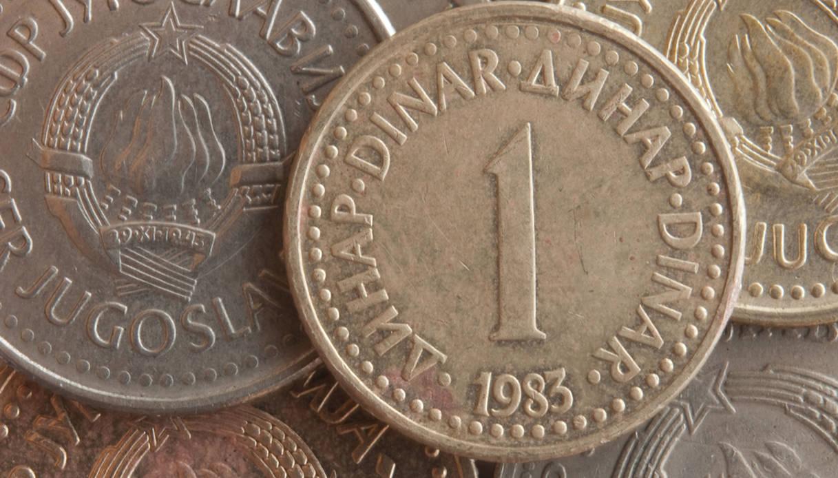 Convertitore dollaro euro Quanto sono 190 Dollari USD in Euro?