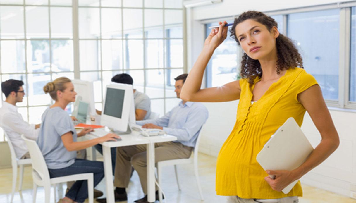 Lavoro e gravidanza: come richiedere la maternità anticipata?