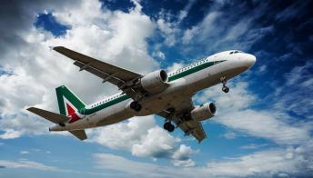 Su Facebook la nuova truffa dei biglietti gratis Alitalia
