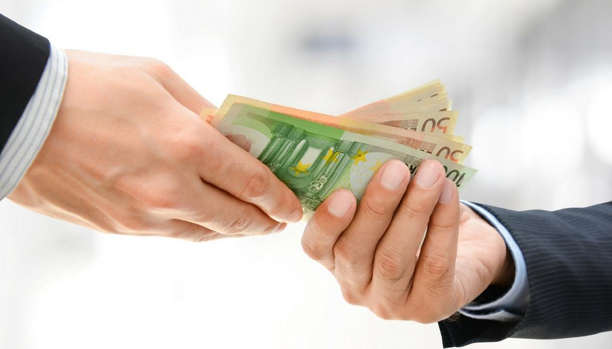 Compri beni con i soldi dei parenti? Attenzione al Fisco