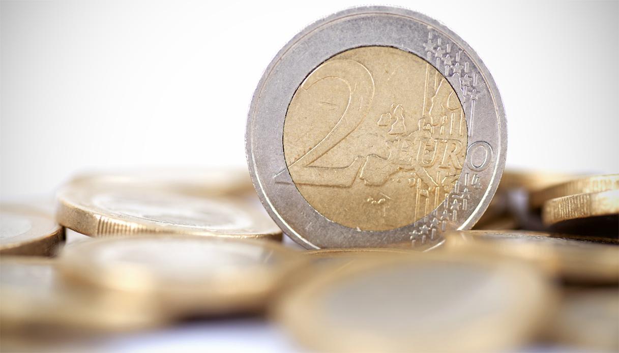 i grafici di borsa nellattività di trading commercio di monete straniere per contanti