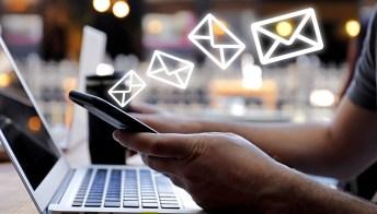 Truffa Agenzia delle Entrate via email: falsi messaggi con virus