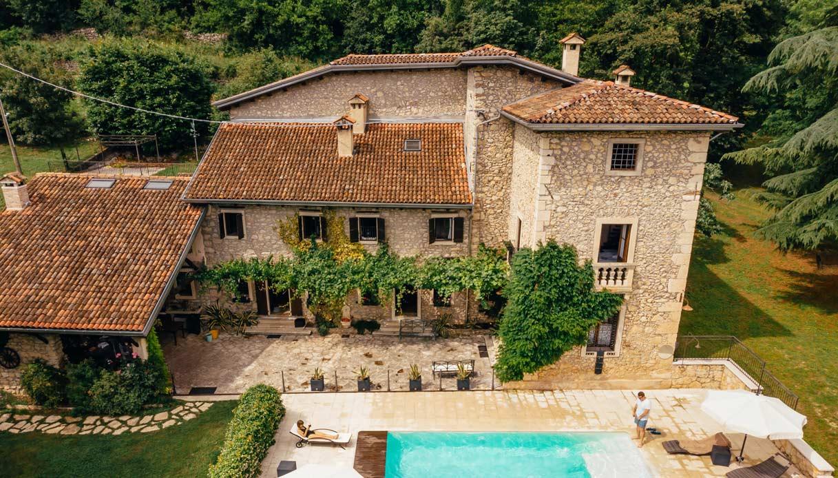 Villa A Tre Piani lotteria per aggiudicarsi una casa in campagna, 60 euro a