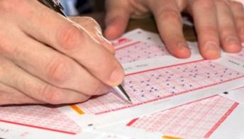 Lotto e Superenalotto, estrazioni di Oggi giovedì 16 settembre 2021: numeri e combinazione vincente