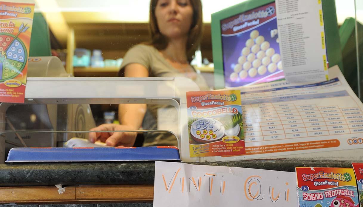 Lotto, Superenalotto e slot machine si fermano: vietati ...