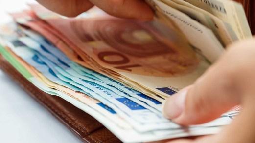 Nuovi aiuti a famiglie e imprese: dal bonus figli e baby sitter ai 600 euro