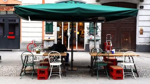 Bar, ristoranti e parrucchieri: la fine del lockdown è una chimera