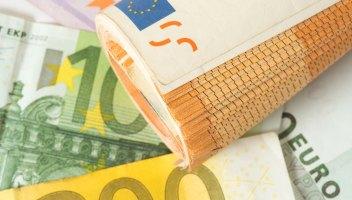 Cassa integrazione con beffa: ai lavoratori metà stipendio