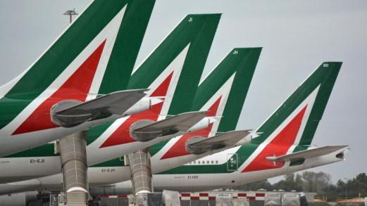 Dl Rilancio, Alitalia diventa statale: cosa si sa della nuova società gestita dal MEF