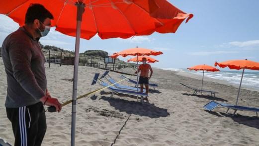 Stabilimenti balneari, spiagge attrezzate e libere: tutte le regole della Fase 2