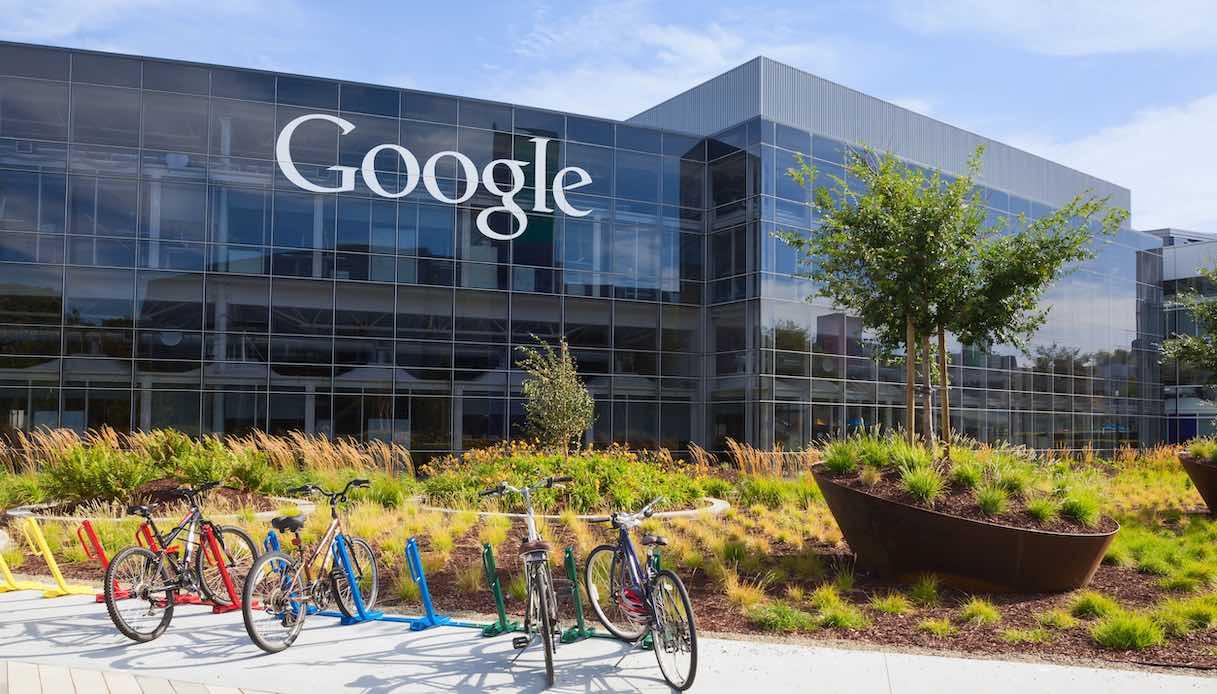 """La """"rivoluzione"""" di Google, i dipendenti lavorano in modo intelligente fino al luglio 2021"""