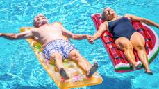 Pensionati all'estero, slittano i controlli: il nuovo calendario Inps