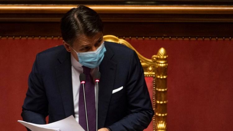 """Lockdown soft """"alla francese"""" dal 9 novembre? Conte assediato: cosa chiuderà e cosa no"""