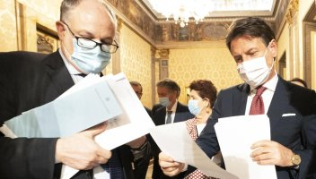 Covid: cancellata seconda rata IMU, altre 18 settimane di cassa integrazione