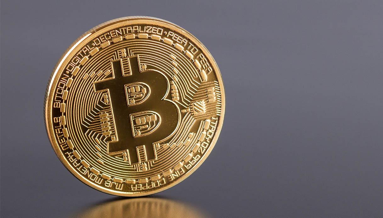 un migliaio di dollari in bitcoin basso costo bitcoin di trading