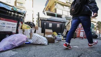 Ogni italiano getta 65kg di cibo l'anno: quanto ci costa e i trucchi per non sprecare