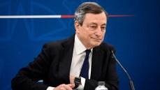 Draghi spinge su riaperture, chiesti al Cts protocolli meno rigidi