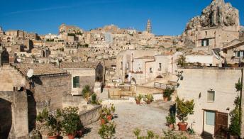 Il paesino in Basilicata che vende case a 1 euro, ma senza cauzione