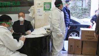 """Le mascherine cinesi """"di Arcuri"""" sequestrate: dei 12 modelli ritirati uno però è sicuro"""