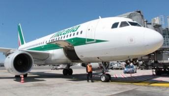 Alitalia, cassa integrazione di un anno per 7mila dipendenti