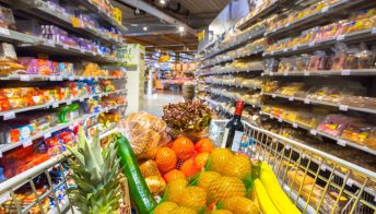 Prezzi alle stelle nel settore alimentare: cibi e bevande che costeranno di più