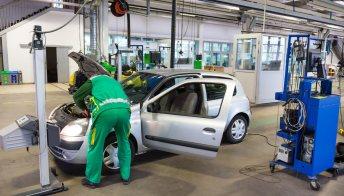 Revisione auto più cara dal 1° novembre, ma spunta il bonus