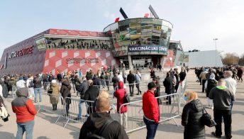 Lockdown, tornano le chiusure in un Paese europeo: le cause