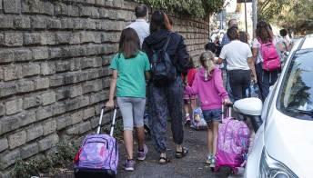 """Ora spuntano scuole """"clandestine"""" per i figli dei no vax"""